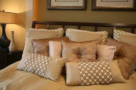 Decorative pillows for beds